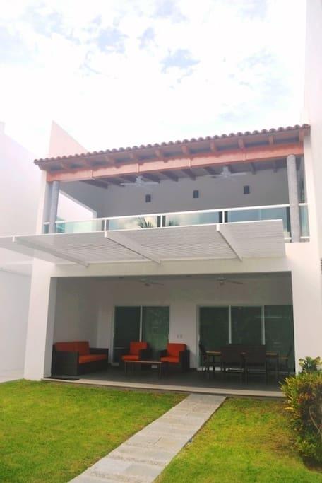 Villa planta baja / planta alta