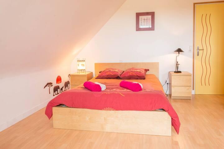 Chambre 2 : lit 140 x 200