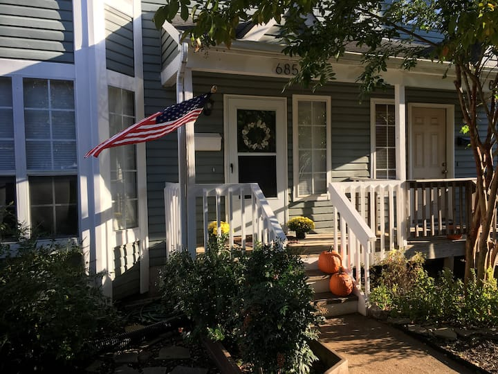 Beautiful Home-Steps to Navy Stadium & Downtown!