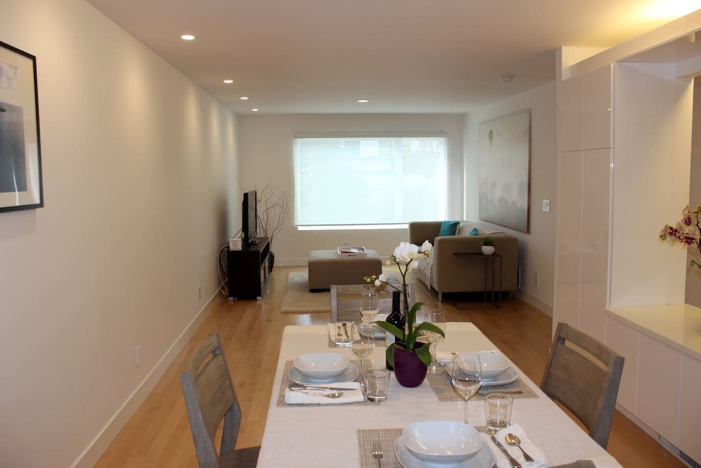 Large great room, good for family meals<br>