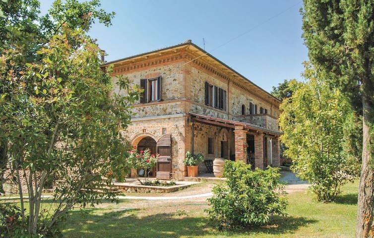 Bellavista - Vescovado - Rumah