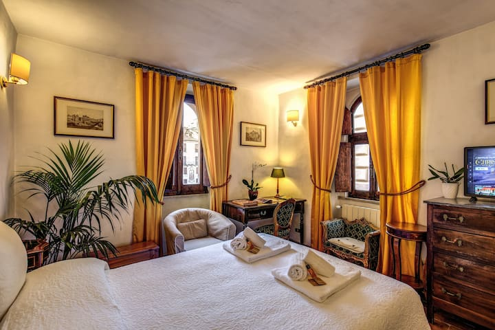 Lovely and cosy apartment facing the Pantheon