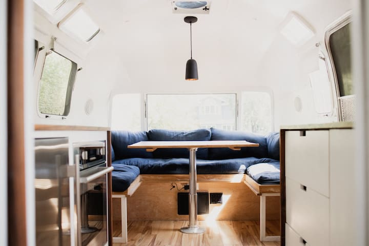 Vintage Airstream Glamping and Mt. Tamalpais Views