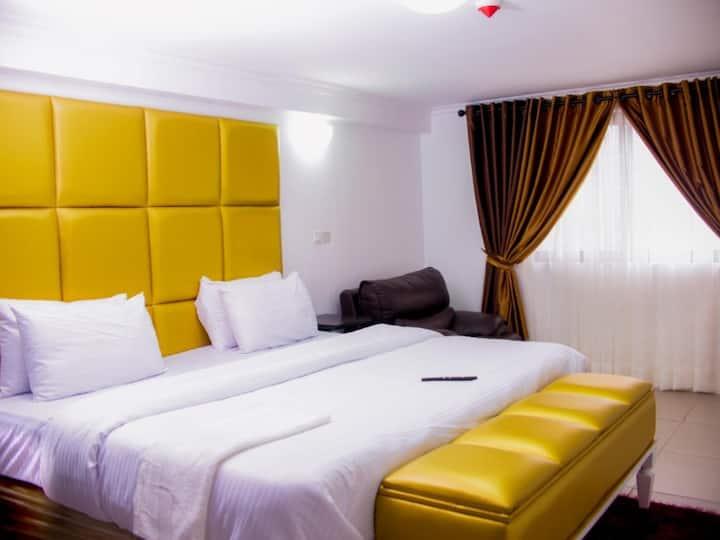 Ivon Suites - 1 Bedroom Apartment