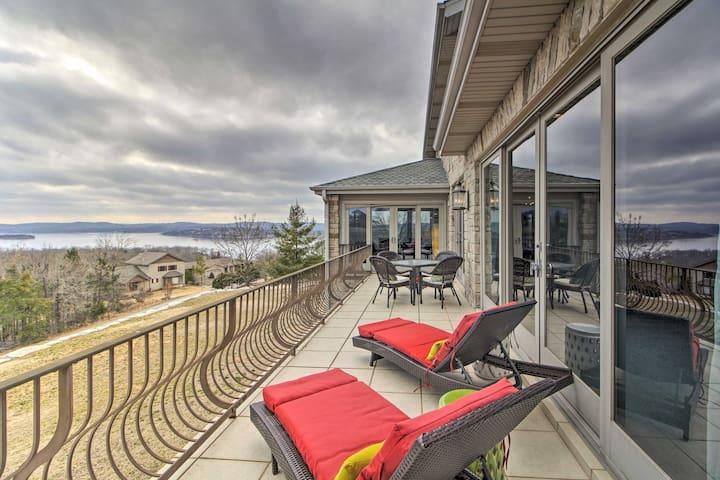 NEW-Branson Villa w/Hot Tub+Terrace - Walk to Lake