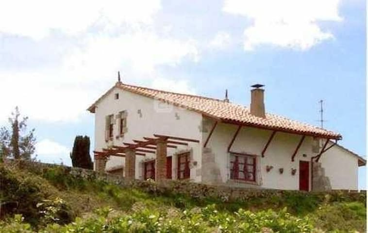Casa única en Celorio - Celorio - บ้าน
