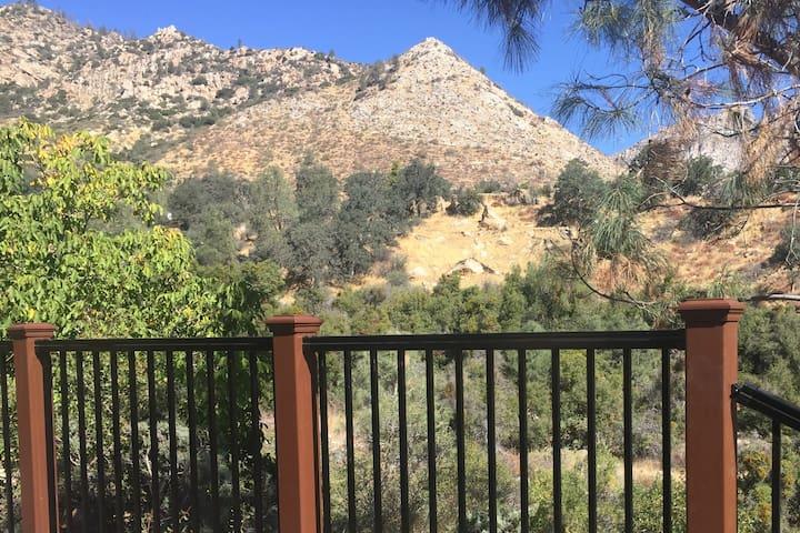 Tillie Creek Retreat: a Creekside Oasis