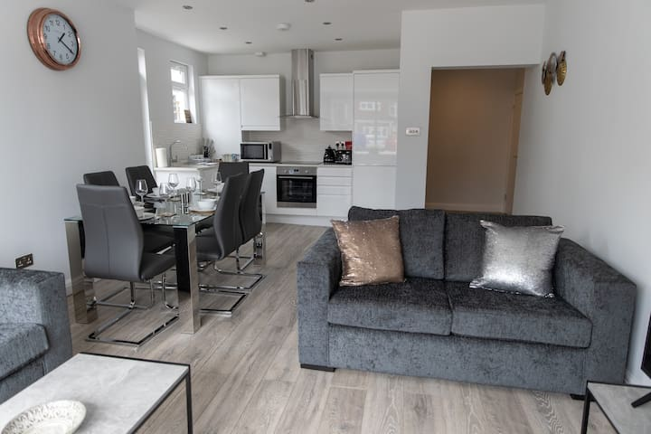 London Northwick Park Serviced Apartment - Flat 1