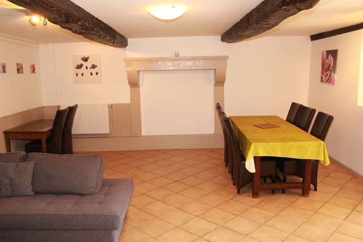 Gîtes de Montvaltin Appartement RDC 90 m²