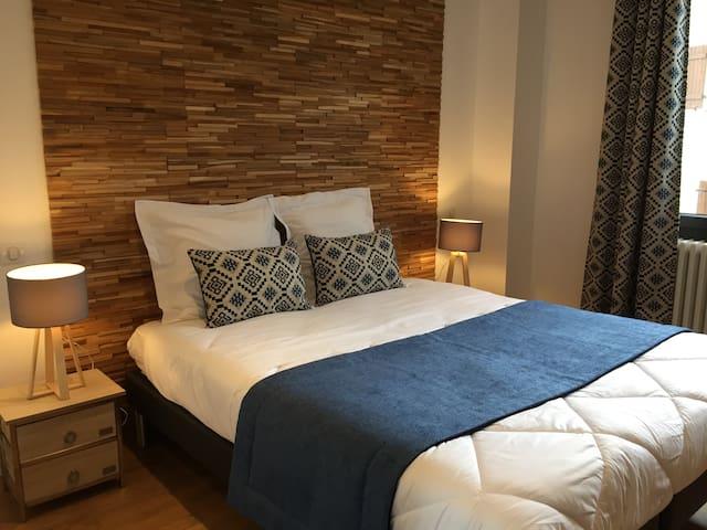 Chambre Nivolet couchage deux lits une personne jumelable, salle de bains et WC privatif séparé