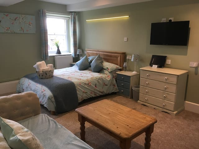 Luxury Double room suite in old Farmhouse