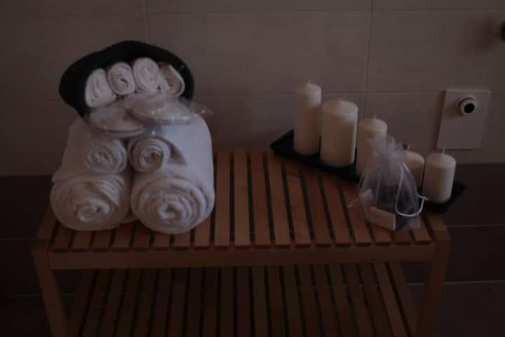 """Camera privata """"Elia"""" con bagno privato in b&b"""