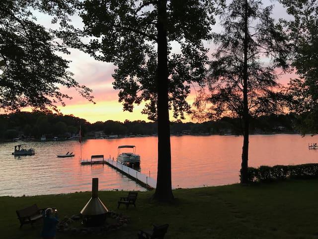 Sunset in the Oaks