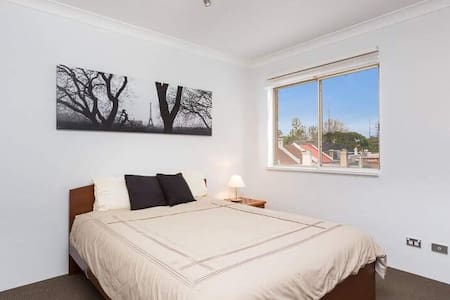 2 Bedroom 2 Bathroom Near to CBD - Redfern - Apartment