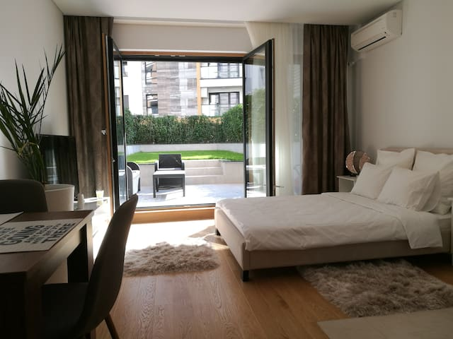 Garden Apartment Sun City New Belgrade