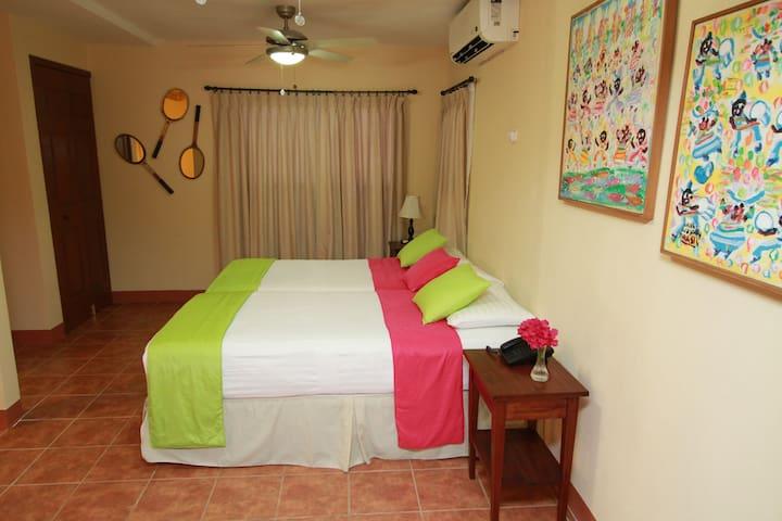 Hotel Colibri y Desayuno - Triple Room - Managua - Bed & Breakfast