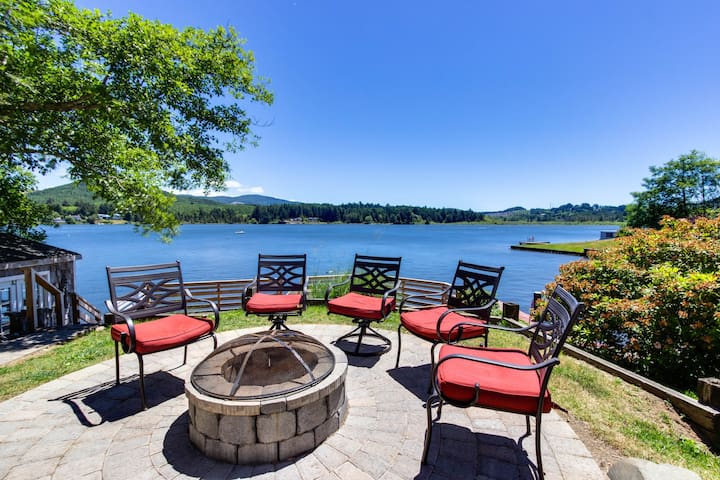 Dog-friendly lakefront vacation home w/stunning views  and spacious deck!