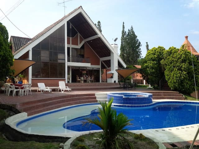 Casa campestre en Cerritos Pereira Tranquilidad