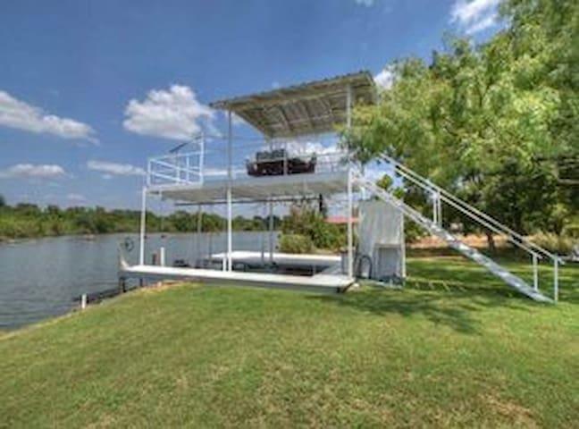 Fun in the Sun Lake House - Buchanan Dam - Prázdninový dům