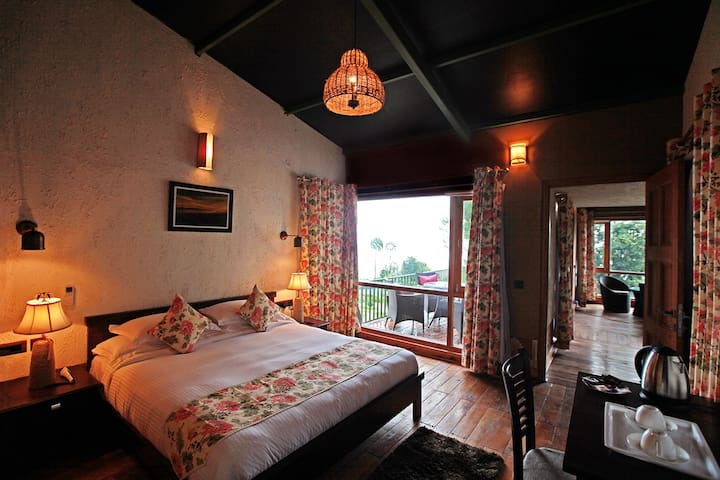 Queens Meadows Resort-Luxury Villa - Ranikhet Range