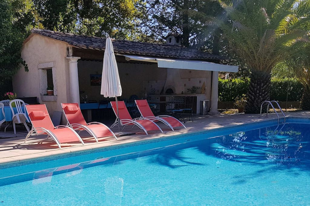 Appartement rez de jardin piscine appartamenti in for Appartement rez de jardin lyon