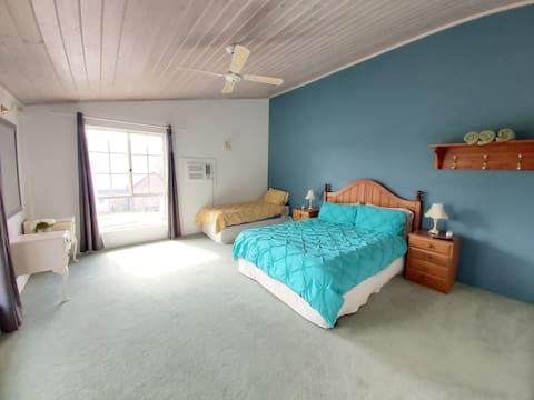 Jardine lodge - 2 rooms & Breaky - Brumby Suites