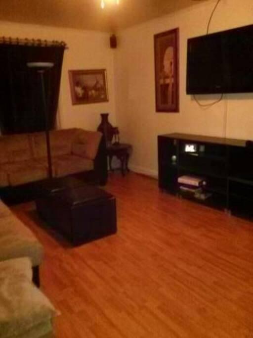 Living Room (Sleep Area 3)