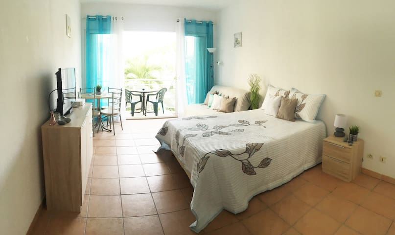 "Stunning ""Beach studio apartment"" in St Maarteen - Marigot - Apartamento"