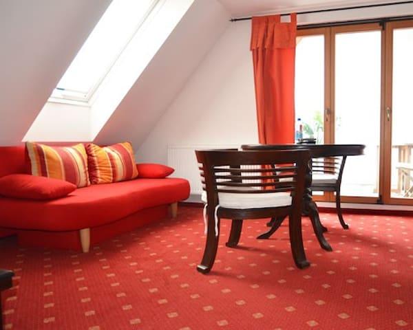 Top Dreibettzimmer im Haus Galerie Hotel. - Ostfildern - Altres