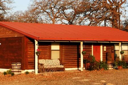 Rancho Del Lago B&B and Horse Ranch - McDade - Gistiheimili