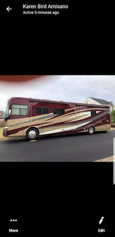 2018 Tiffin Motorhome 40ft. none moving.