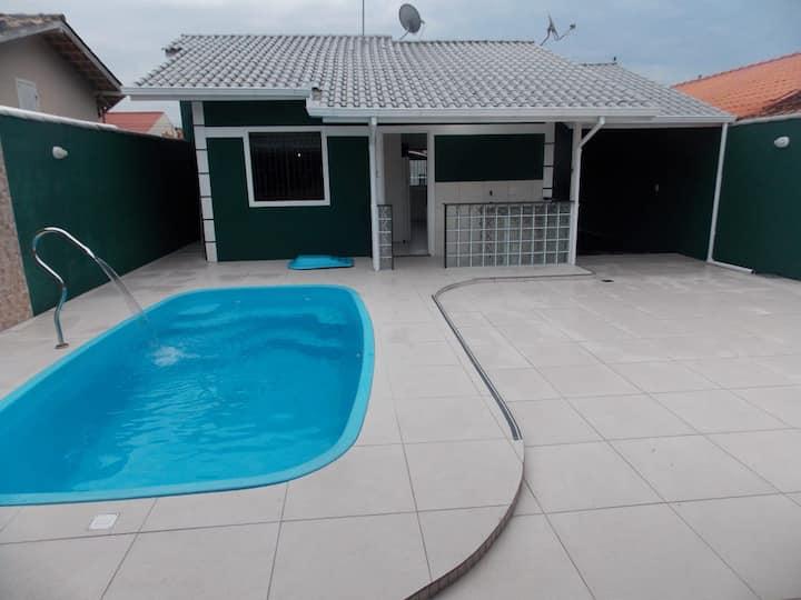 casa com piscina em são josé--sc
