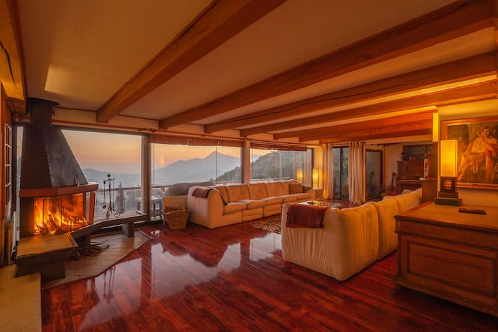 Beautiful Estate with AMAZING View of Santiago!!