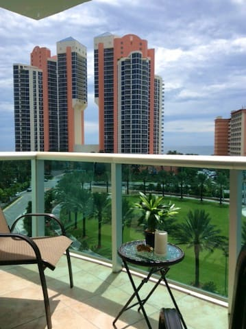 Condo with ocean view on Collins Av - Sunny Isles Beach