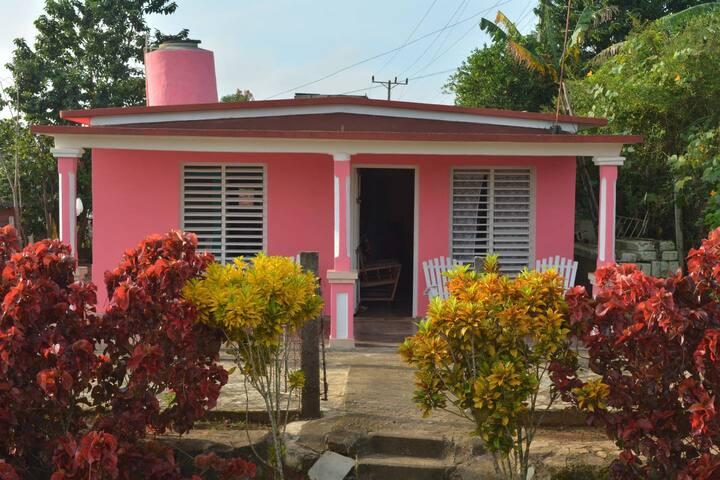 Private Room w/ Wifi Villa Dinalba y Juan Carlos 3