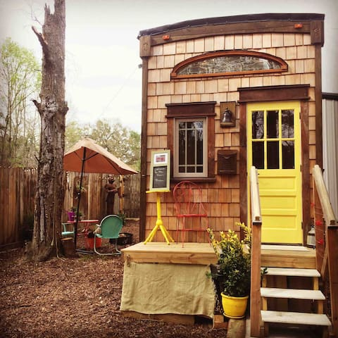 *WINTER SPECIAL*CHARLESTON TINY HOUSE & MICROFARM
