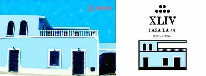 """Habitación """"turix"""" Casa La 44"""