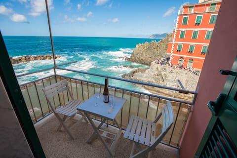 """""""Il mare in casa""""balcony on the sea-011024-LT-0045"""