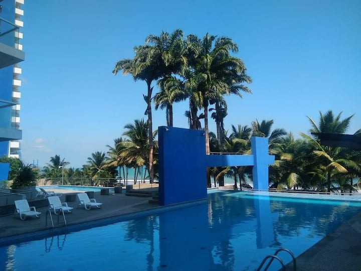 SUITE FAMILIAR frente al MAR. Conjunto Playa AZUL.