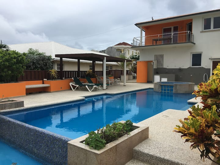Lovely Apartment with Pool at Windcastle-Barbados