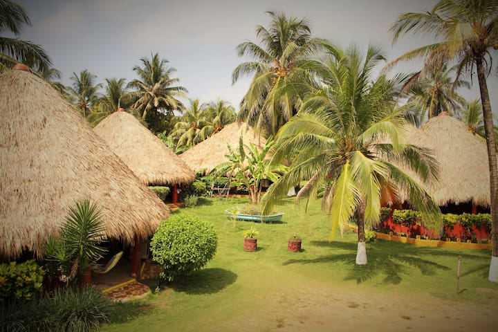 Paraiso Cabanas and Bungalows, Playa Coco - Corn Island - Bungaló