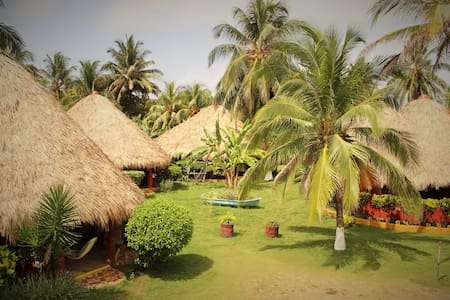 Cabanas and Bungalows on Playa Coco - Corn Island - บังกะโล