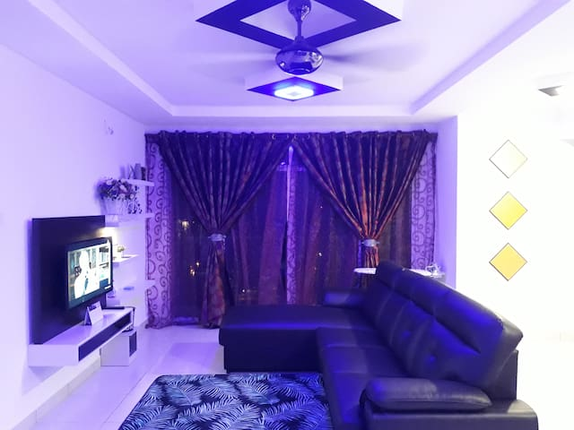 HOMESTAY SHAH ALAM Near I-City  For Muslim Only