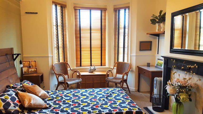 Poole Mid Century Double Bedroom