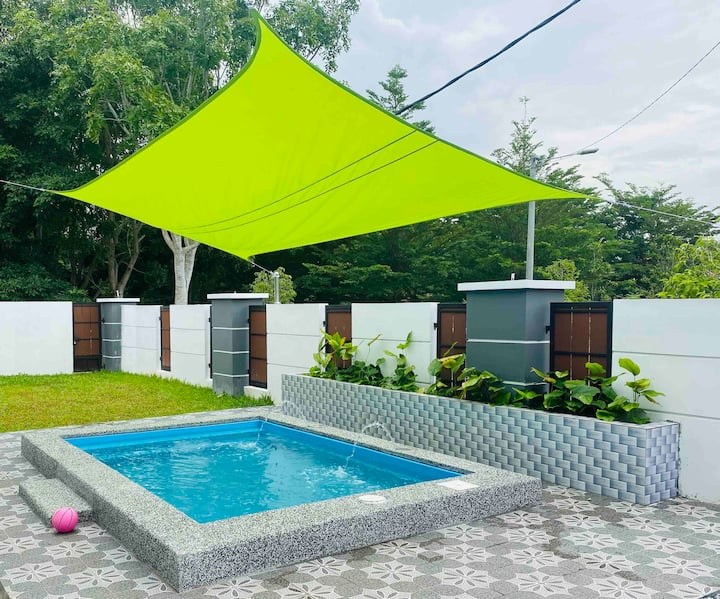 NS Vacation Home/Muar/Private Pool /BBQ /5beds 🤗