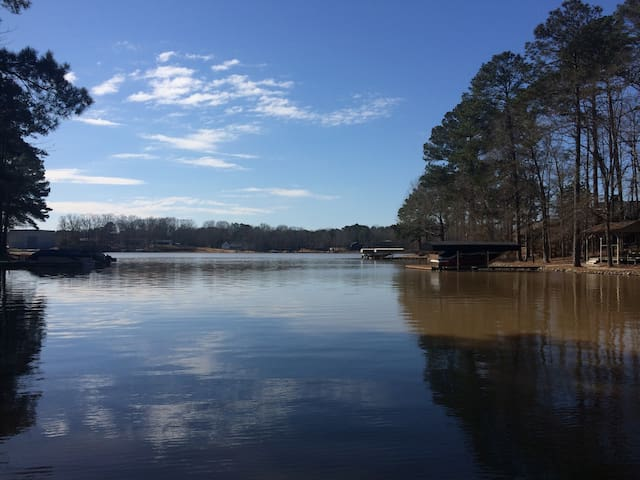 Beautiful large Lake front home 4 bedrooms MASTERS - Eatonton - Rumah