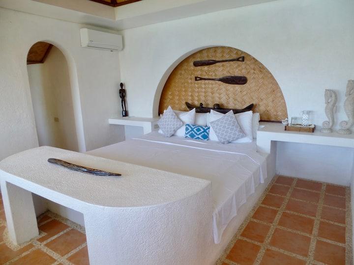 Cottage @ Marina del Sol. A Unique Bay Experience!