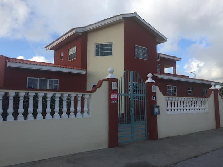 Milly's Residence (close the airport)