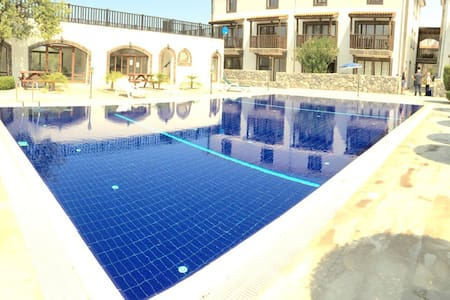 1 bedroom appartment near Cratos hotel, Girne - Ozanköy - Квартира