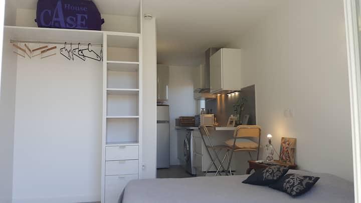 Studio meublé dans villa arboré+Parking LA GARDE